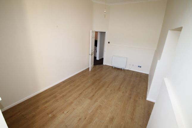 Thumbnail Flat to rent in Seaton Court, Plymouth