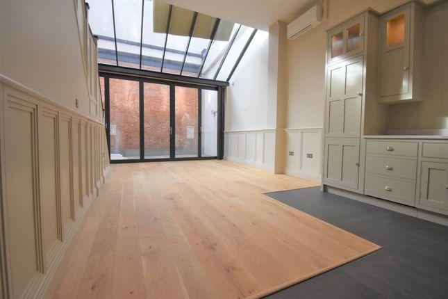 Thumbnail Flat to rent in 25 Bartholomew Street, Newbury, Berkshire