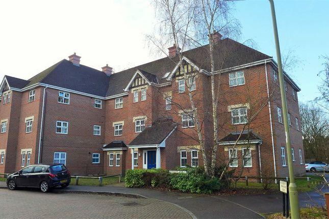 Thumbnail Flat to rent in Kingsley Square, Elvetham Heath, Fleet