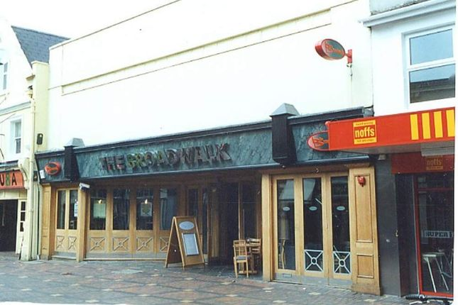 Thumbnail Leisure/hospitality to let in The Broadwalk, Swindon, Wiltshire