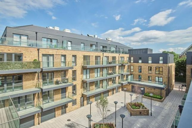 Thumbnail Flat for sale in Swan Street, Isleworth
