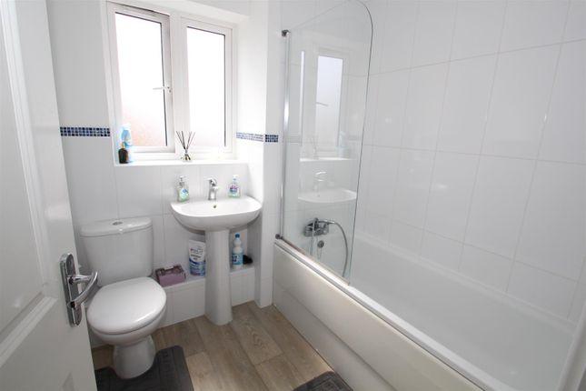 Family Bathroom of Wodell Drive, Wolverton, Milton Keynes MK12