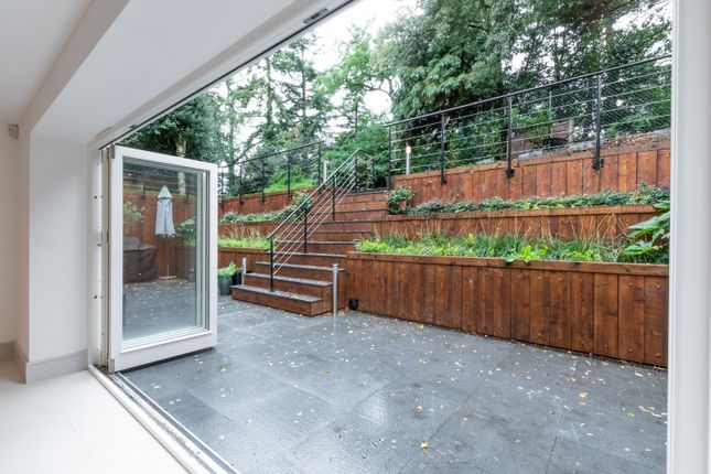 Terrace of Brooklands Road, Weybridge KT13