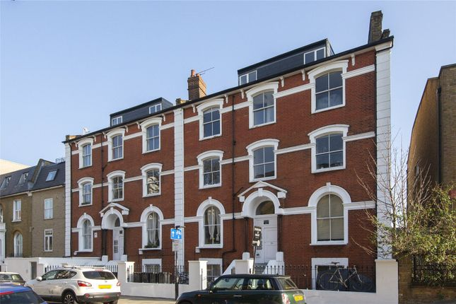 Flat for sale in Shore Road, London