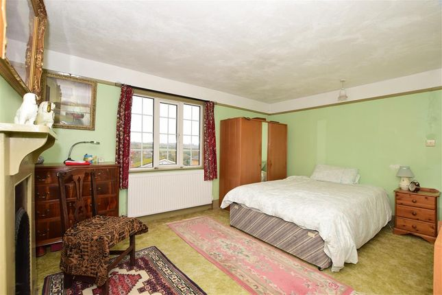 Bedroom 1 of Station Hill, East Farleigh, Maidstone, Kent ME15