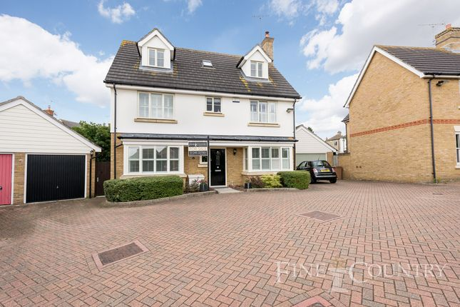 Thumbnail Detached house for sale in Waterson Vale, Chelmsford