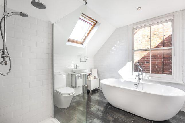 Bathroom of New Road, Reading RG1