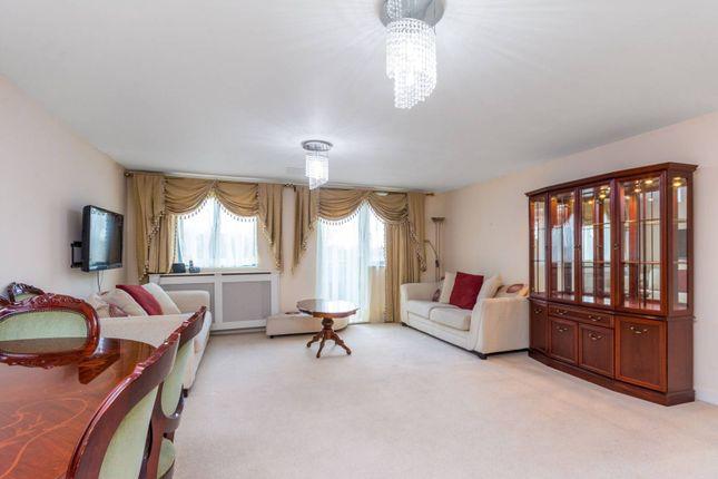 Thumbnail Flat to rent in Lapis Close, Park Royal