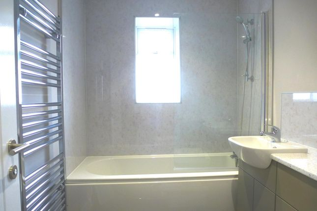 Bathroom of Upwell Road, March PE15