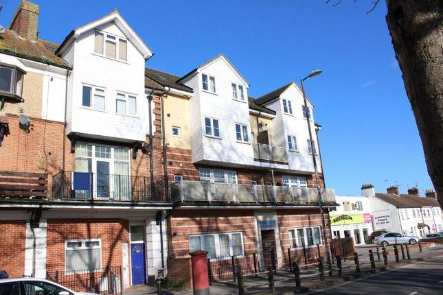 Thumbnail Flat for sale in Lynchford Road, Farnborough