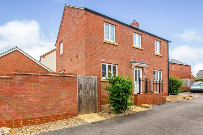 3 bed detached house for sale in Junction Way, Thrapston, Kettering NN14