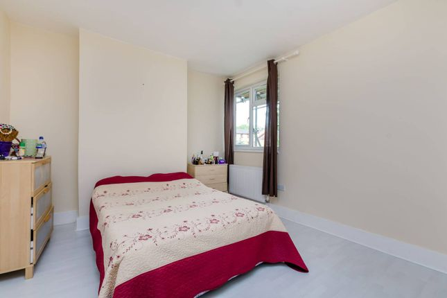 Thumbnail Flat for sale in Morland Road, Croydon