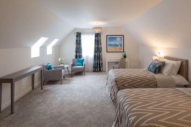 Guest Suite of Redfields Lane, Church Crookham, Fleet GU52