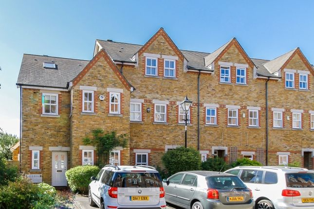 Thumbnail Town house to rent in Plater Drive, Oxford