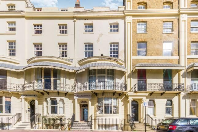 Thumbnail Terraced house for sale in Regency Square, Brighton