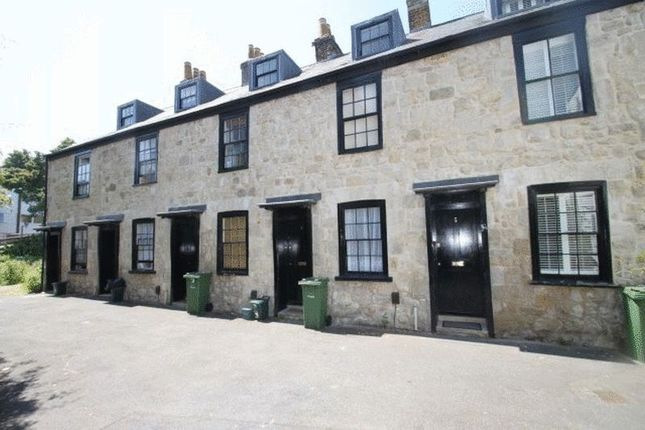 Thumbnail Terraced house to rent in Market Hill, Cowes, Isle Of Wight