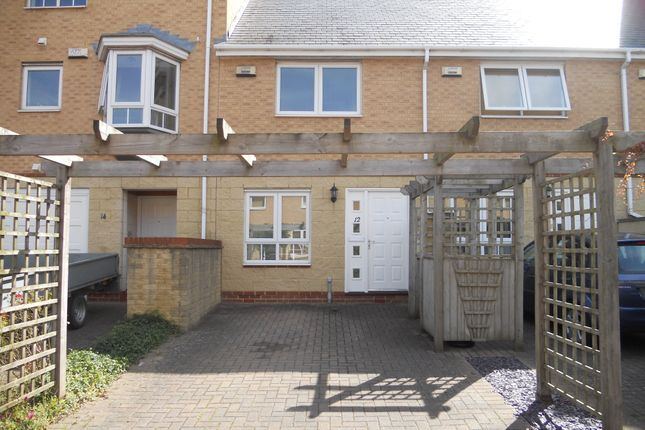 2 bed terraced house to rent in Chandlers Way, Penarth CF64