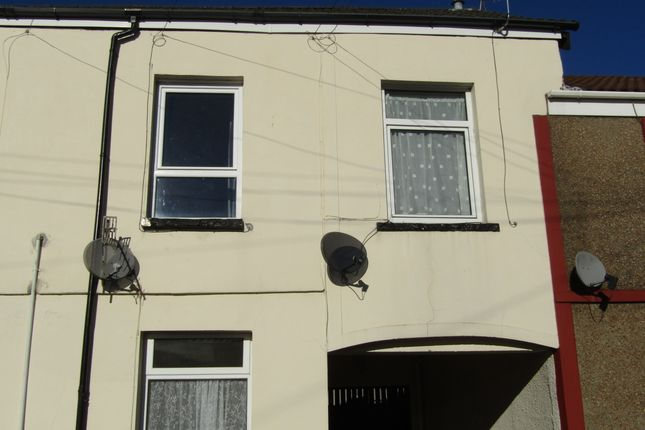 Thumbnail Flat to rent in Dean Street, Aberdare