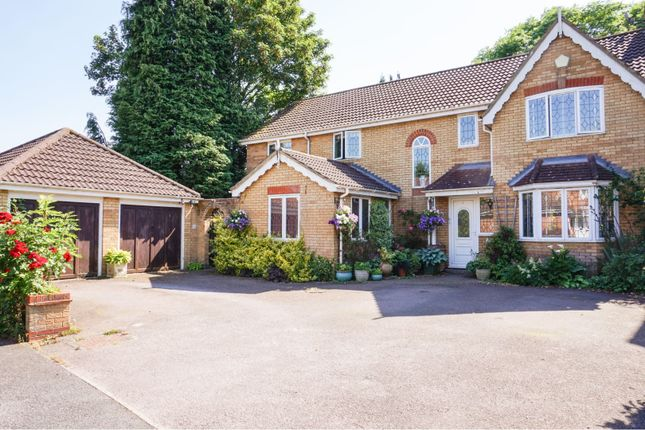 Thumbnail Detached house for sale in Cardiff Way, Abbots Langley