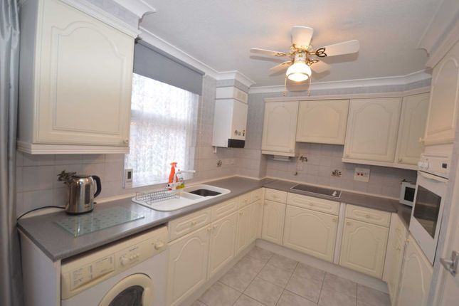 Thumbnail Property for sale in Parkway, Erith