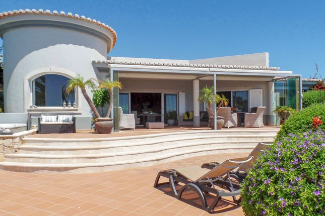 Villa for sale in Estômbar E Parchal, Lagoa, Portugal