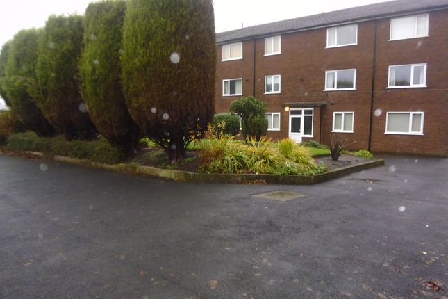 Thumbnail Flat to rent in Rowan Crescent, Hyde