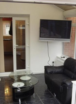 Thumbnail Room to rent in Vowles Road, West Bromwich