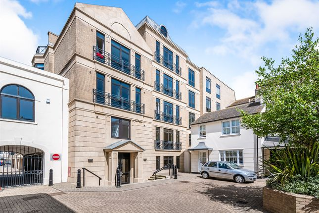 Thumbnail Property for sale in Russell Mews, Brighton