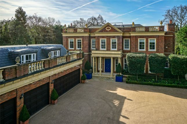 Thumbnail Detached house to rent in Hill House Drive, Weybridge, Surrey