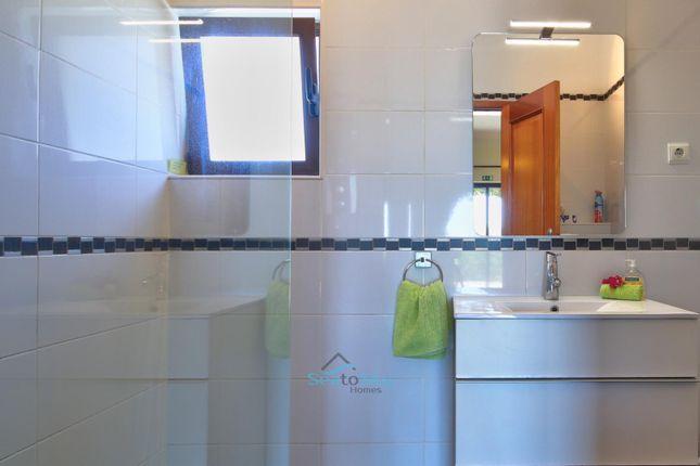 Shower Room of Caramujeira, Algarve, Portugal