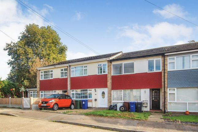 Thumbnail Terraced house to rent in Hollowfield Avenue, Grays