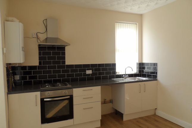 Thumbnail Flat to rent in Rawlings Road, Smethwick