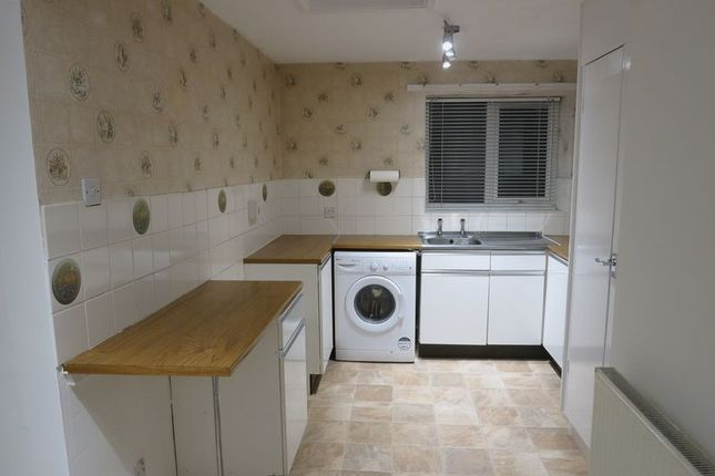 2 bed flat to rent in 18 Sycamore Drive, Penwortham