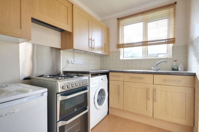 2 bed terraced house to rent in Bempton Drive, Ruislip, Middlesex