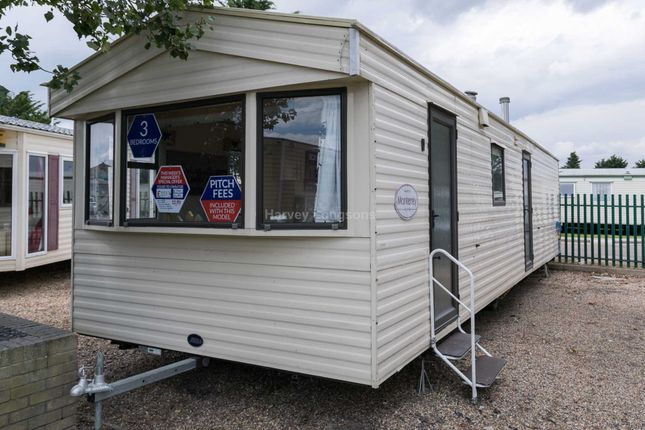 3 bed mobile/park home for sale in St Osyth, Clacton On Sea, Essex