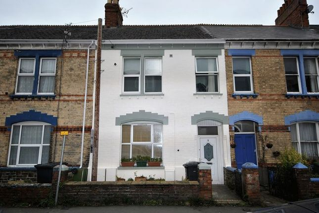 Thumbnail Flat for sale in 3 Bedroom Masionette, Summerland Street, Barnstaple