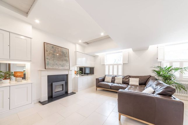 Thumbnail Flat to rent in Roderick Road, Hampstead, London