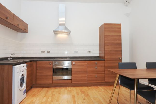 2 bed flat to rent in Central Way, Warrington