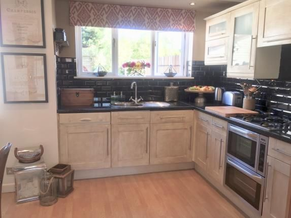 Thumbnail Terraced house for sale in Empire Road, Perivale, Greenford, Middlesex