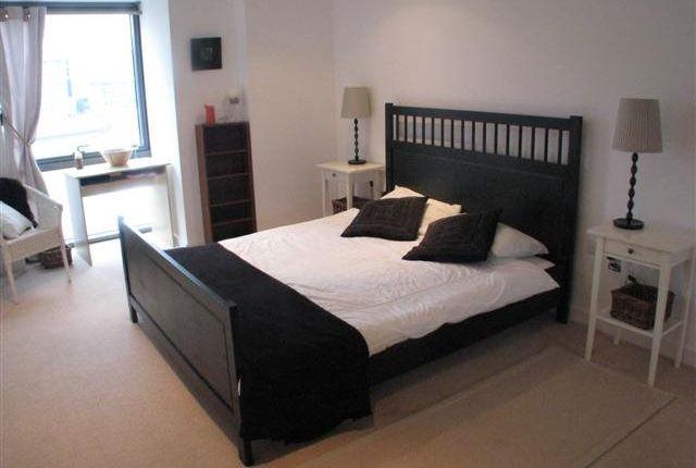 Bedroom of Alexandra Tower, Princes Dock, Princes Parade L3