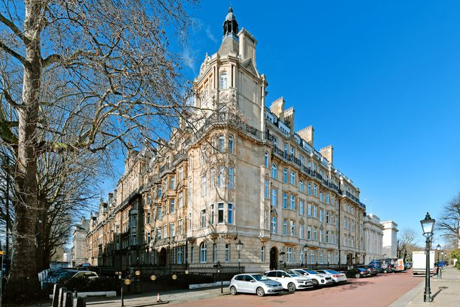Thumbnail Flat for sale in Brunswick Place, London