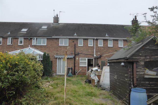 P1030801 of Tonbridge Grove, Hull HU9
