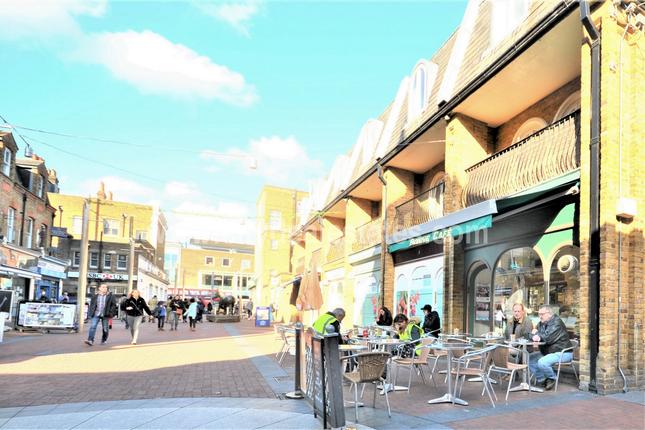 Thumbnail Restaurant/cafe to let in Oak Road, Ealing, London
