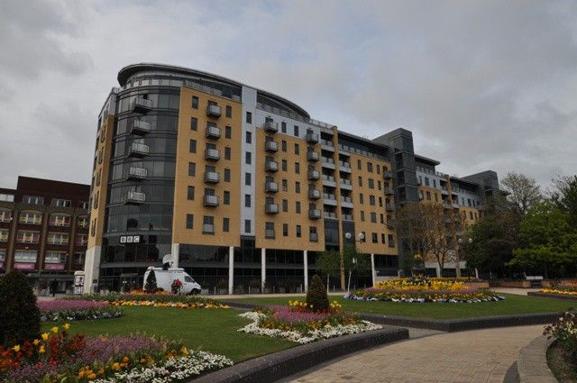 Thumbnail Flat for sale in Queens Court, Hull, East Riding Of Yorkshire