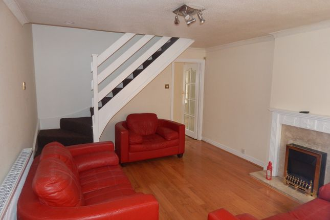 Thumbnail Terraced house to rent in Charnwood Bank, Batley