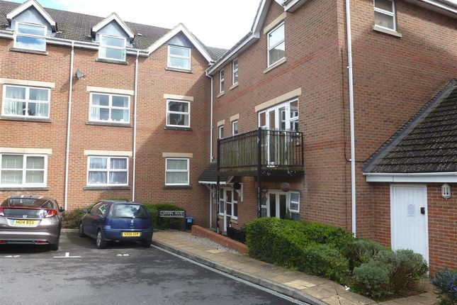 Thumbnail Flat for sale in Jubilee Close, Salisbury