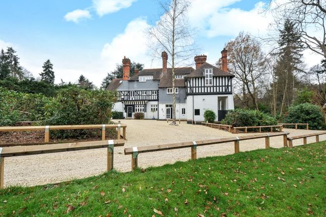 Thumbnail Flat for sale in London Road, Sunningdale