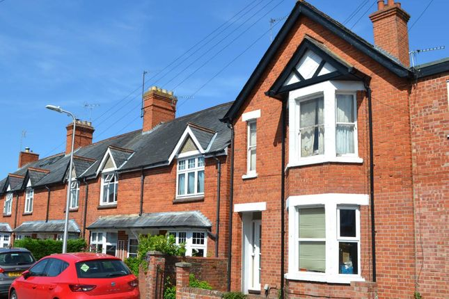 Thumbnail Flat to rent in Kingsbridge Road, Newbury, Berkshire
