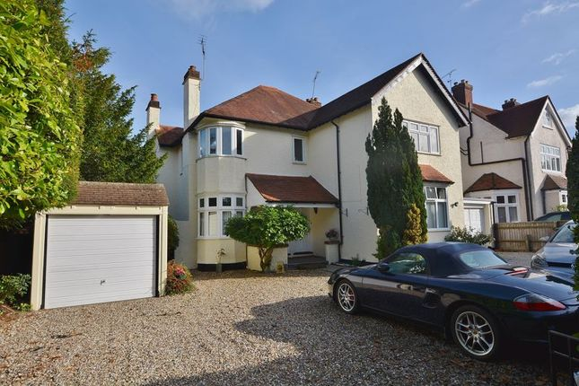 3 bed flat for sale in Grove Road, Beaconsfield HP9
