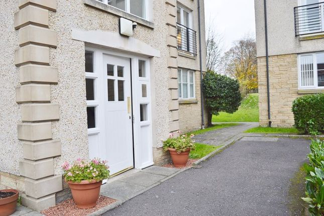 Thumbnail Flat to rent in Madderfield Mews, Linlithgow